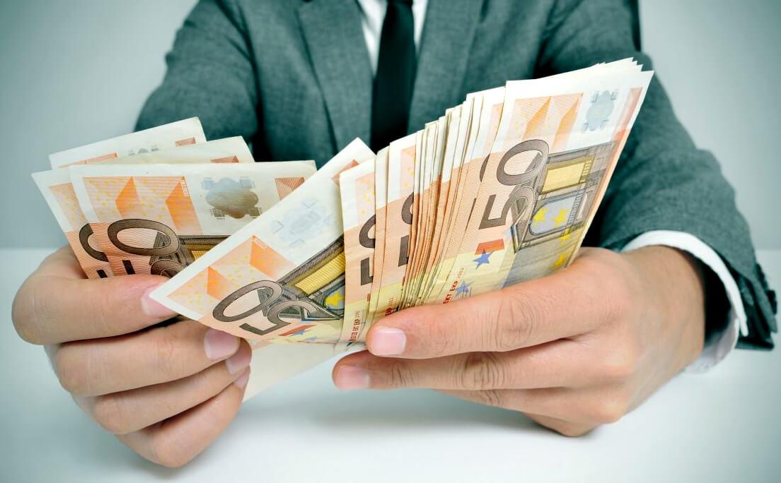 Какие банки продают долги коллекторам?