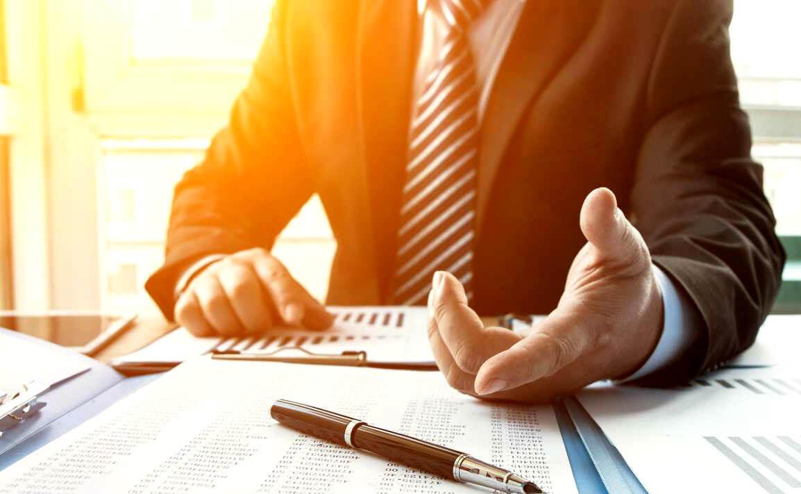 Хто такий кредитний брокер і чим він займається?