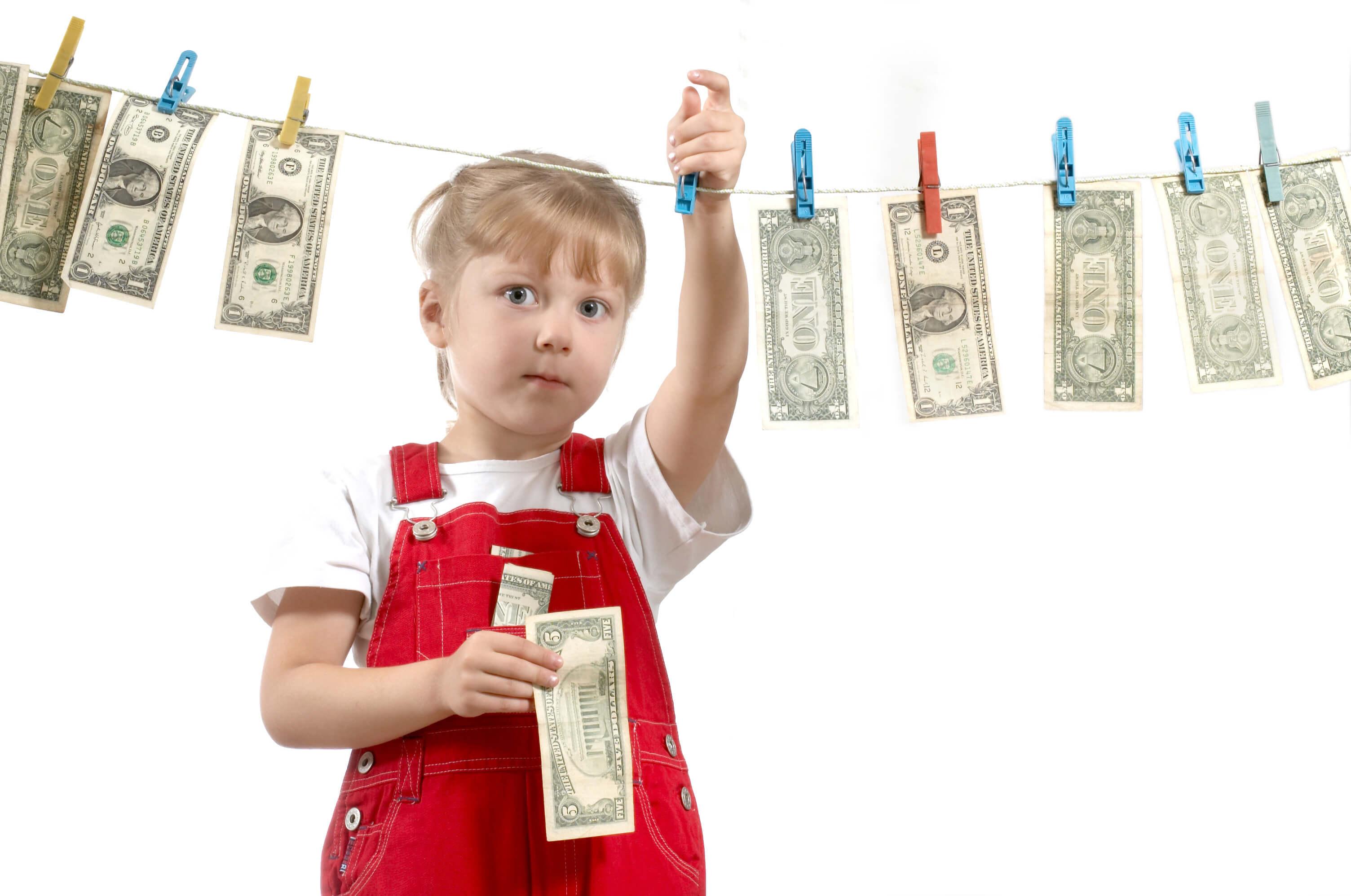 Де і як отримати пільги для багатодітних сімей в Україні? Які права має дитина з багатодітної родини?
